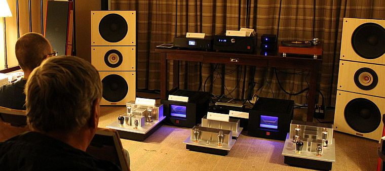 TAVES show PAP Trio15 and Psvane amps